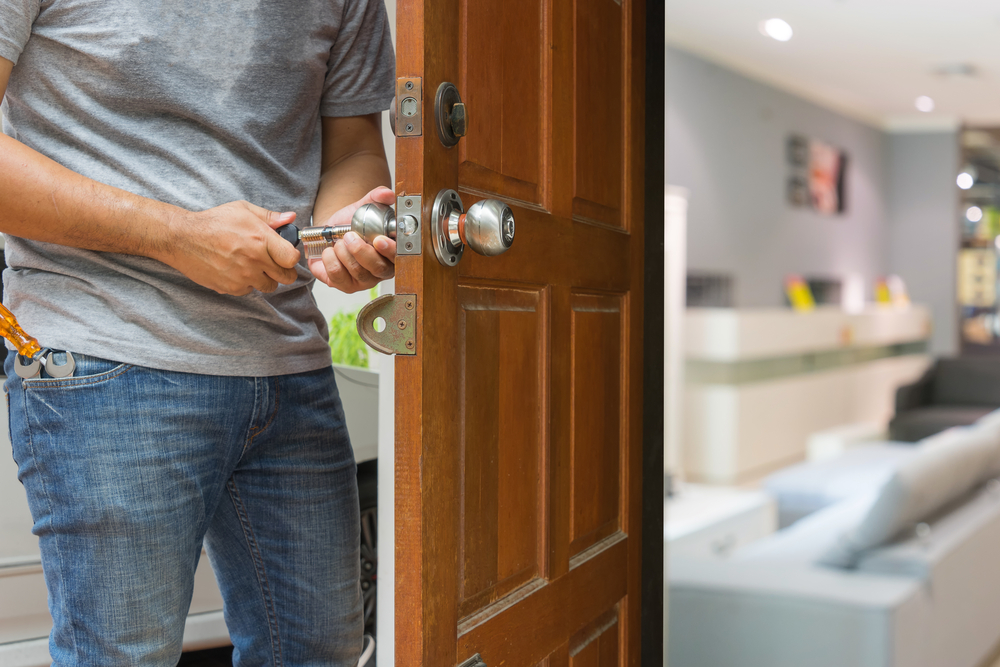 Four Tips to Hire a Local Locksmith Service
